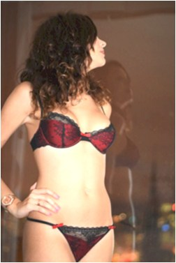 Izabela Female Escort in the United States